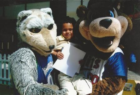 Special Appearances - Crunch and TC Bear pick up Mateo MOA Launch
